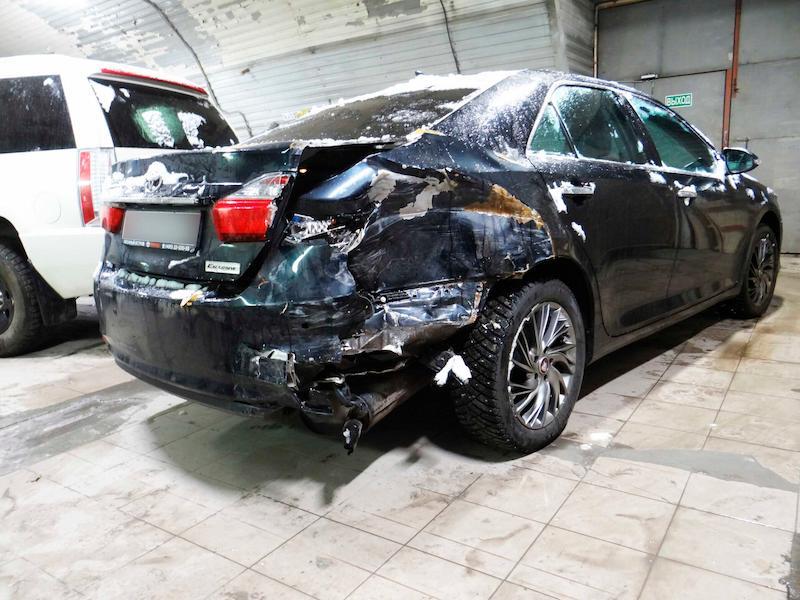 Фото повреждений кузова Тойота