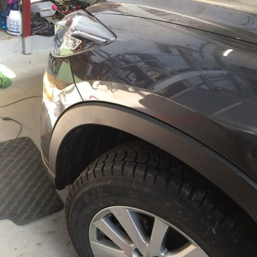 Mazda: ремонт вмятины крыла
