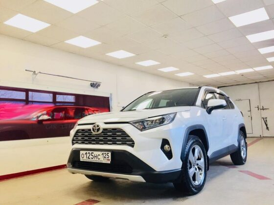 Toyota RAV 4: покрытие керамикой HIKARI