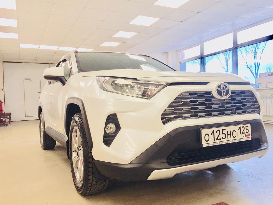 Фото Toyota покрытого керамикой